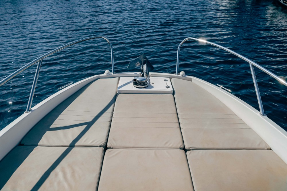 Boat rental Marseille cheap Activ 605 Sundeck