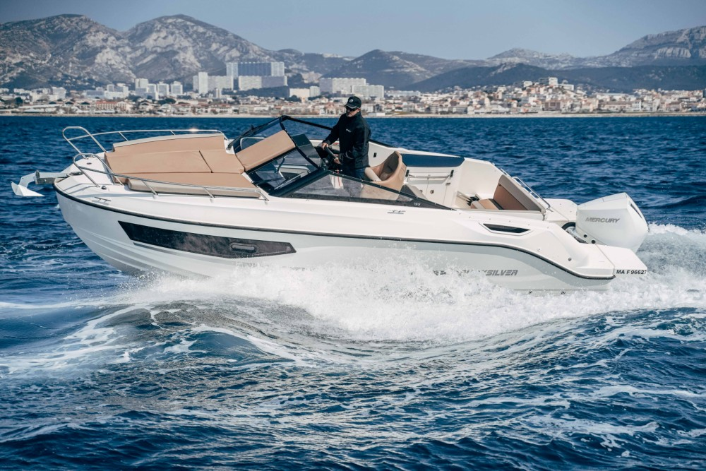 Boat rental Quicksilver Activ 755 Cruiser in Marseille on Samboat