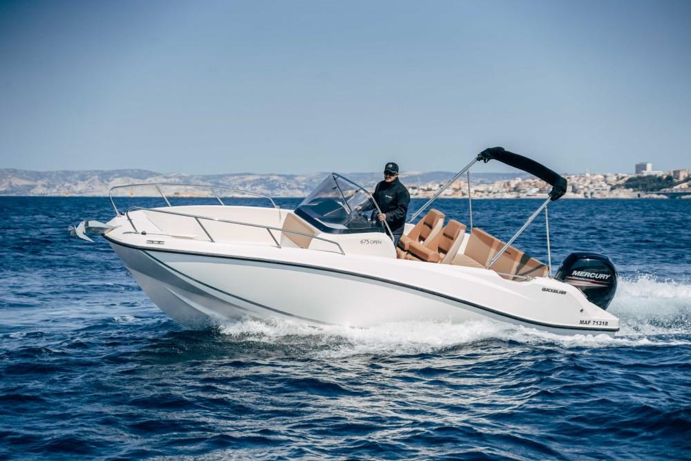 Boat rental Quicksilver Activ 675 Open in Marseille on Samboat
