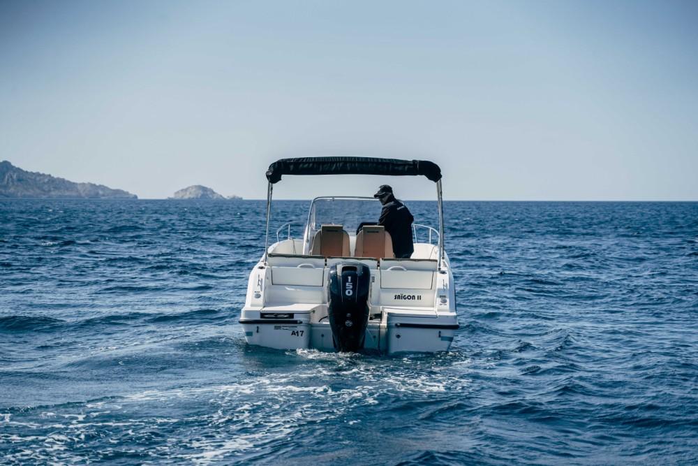 Rental Motor boat in Marseille - Quicksilver Activ 675 Open
