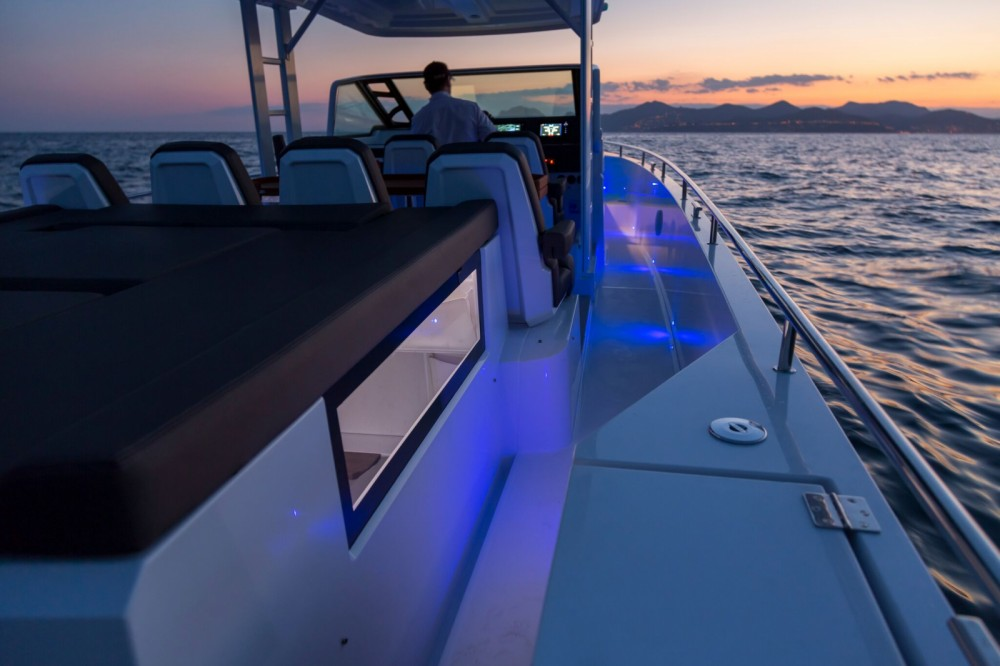 Motorboat for rent Gouvia at the best price