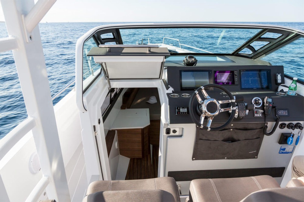 Hire Motorboat with or without skipper Axopar Gouvia