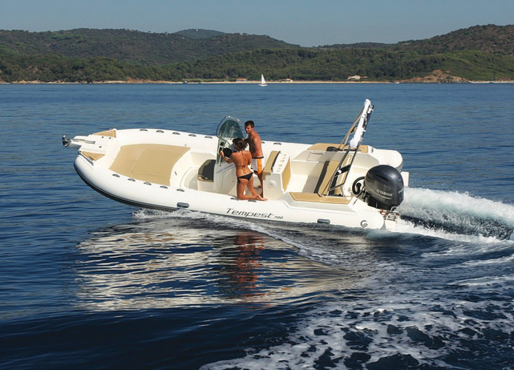 Boat rental Le Lavandou cheap Tempest 700