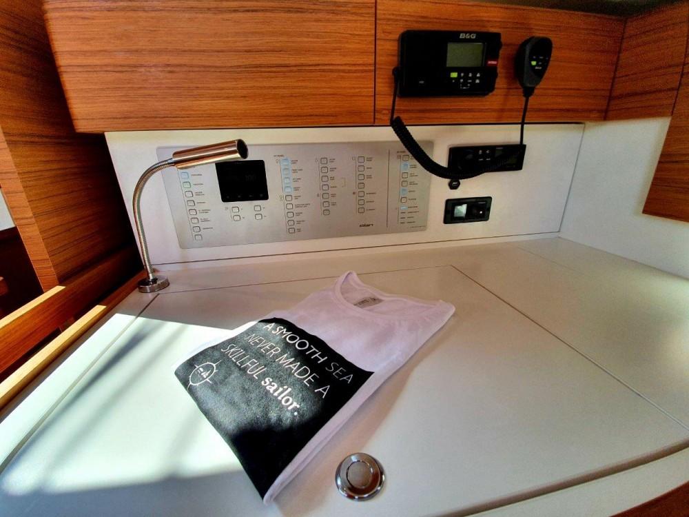 Boat rental Elan Elan Impression 50  in Jezera on Samboat