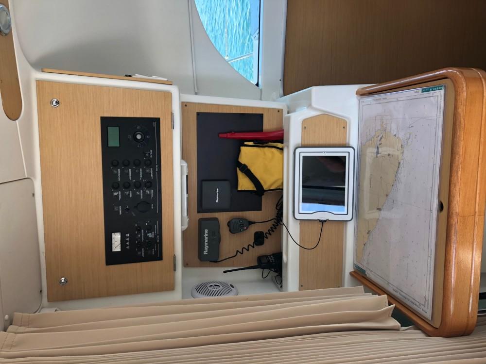 Rent a Lagoon Lagoon 380 S2 Arona