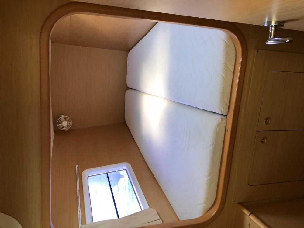 Rental yacht Arona - Lagoon Lagoon 380 S2 on SamBoat