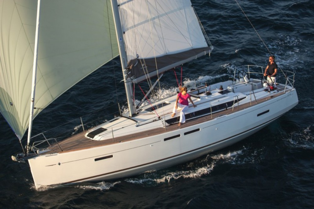 Jeanneau Sun Odyssey 419 between personal and professional Arona
