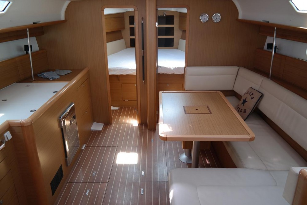 Jeanneau Sun Odyssey 44i between personal and professional Arona