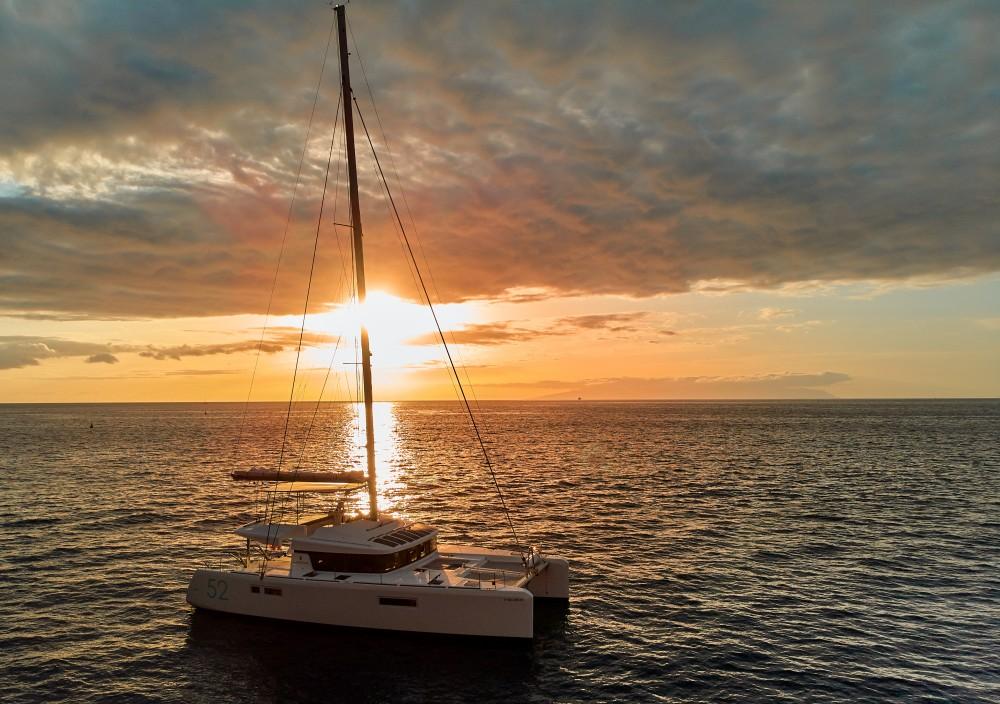 Boat rental Lagoon Lagoon 52F in Ibiza on Samboat