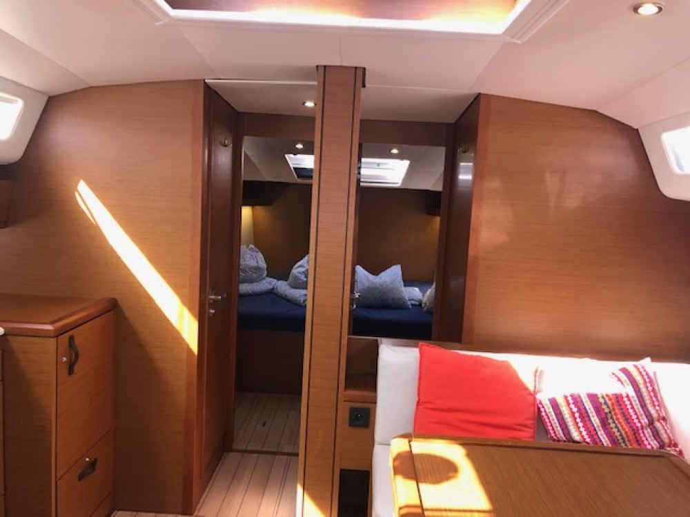 Jeanneau Jeanneau 54 between personal and professional
