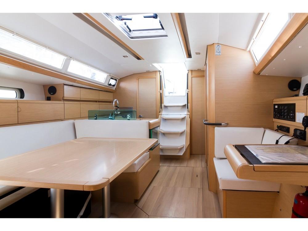 Rental Sailboat in Palma - Jeanneau Sun Odyssey 419