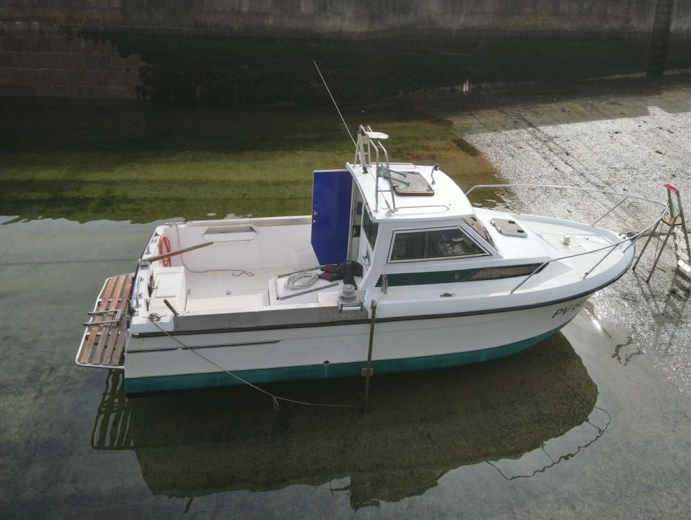 Boat rental Jeanneau Esteou 730 in Boulogne-sur-Mer on Samboat