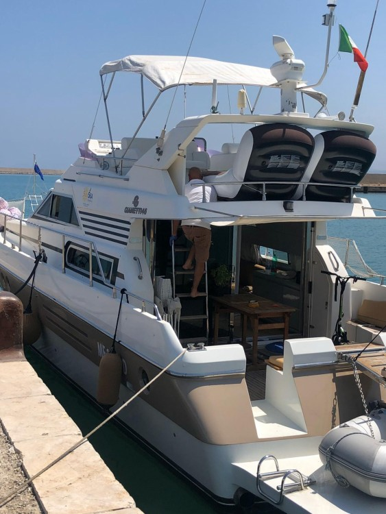 Rental Yacht Gianetti with a permit