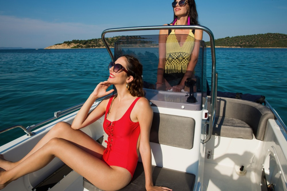 Motor boat for rent Ormos Panagias at the best price