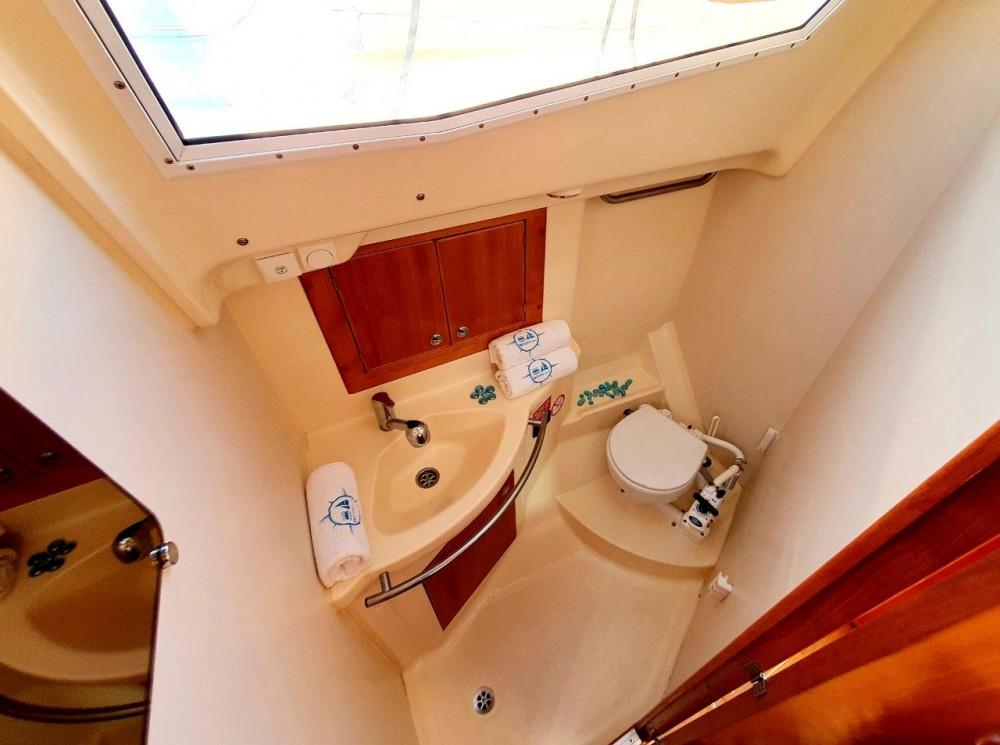 Rental yacht Jezera - Elan Elan 344 Impression on SamBoat