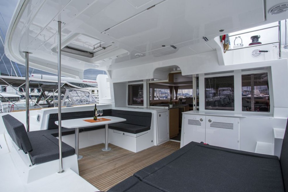 Catamaran for rent Dubrovnik at the best price
