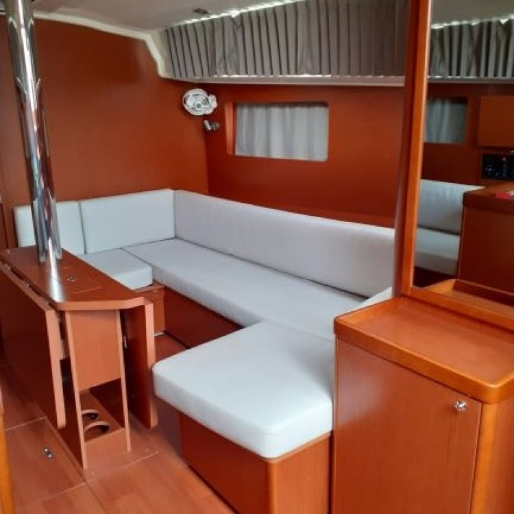 Rental Sailboat in Preveza - Bénéteau Oceanis 41.1