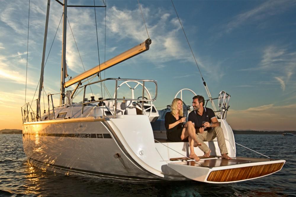Rental yacht Peloponnese, West Greece and Ionian Sea - Bavaria Bavaria 37 on SamBoat