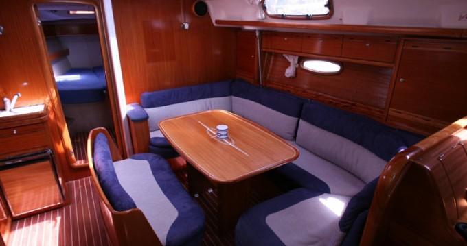 Boat rental Bavaria Bavaria 42 Cruiser in Lefkada (Island) on Samboat