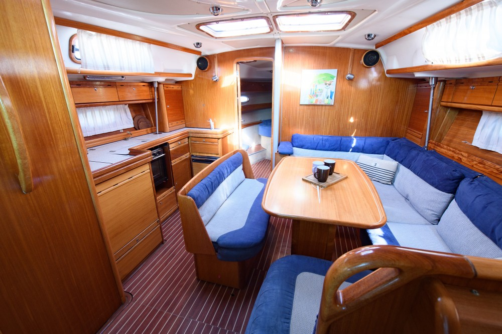 Rent a Bavaria Bavaria 42 Cruiser Lefkada