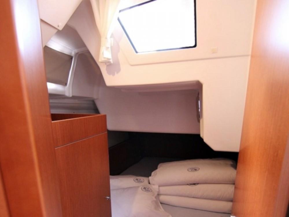 Boat rental Sukošan cheap OCEANIS 38 BT
