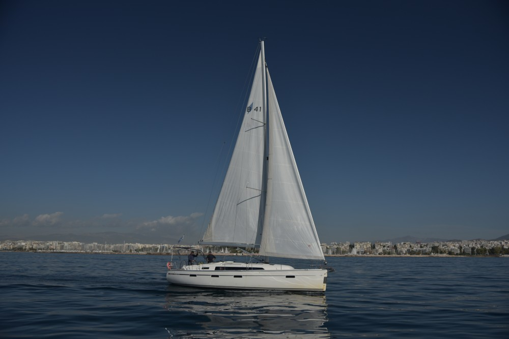 Rental Sailboat in Alimos Marina - Bavaria Bavaria Cruiser 41
