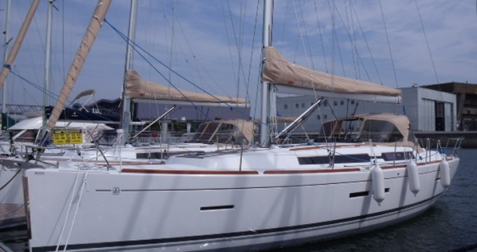 Dufour Dufour 405 Grand Large between personal and professional La Spezia