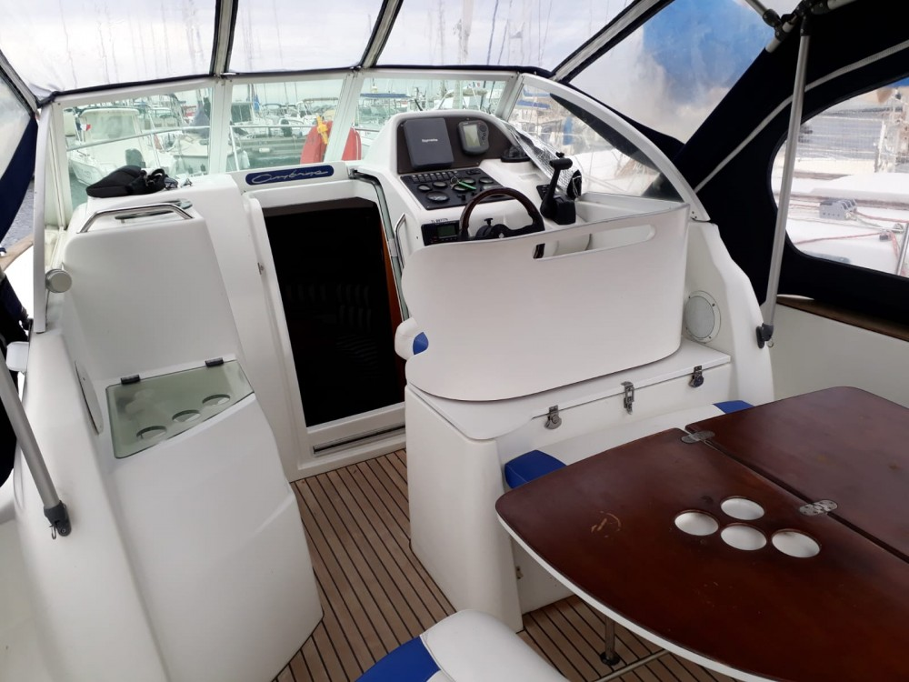Hire Motor boat with or without skipper Bénéteau Saint-Raphaël