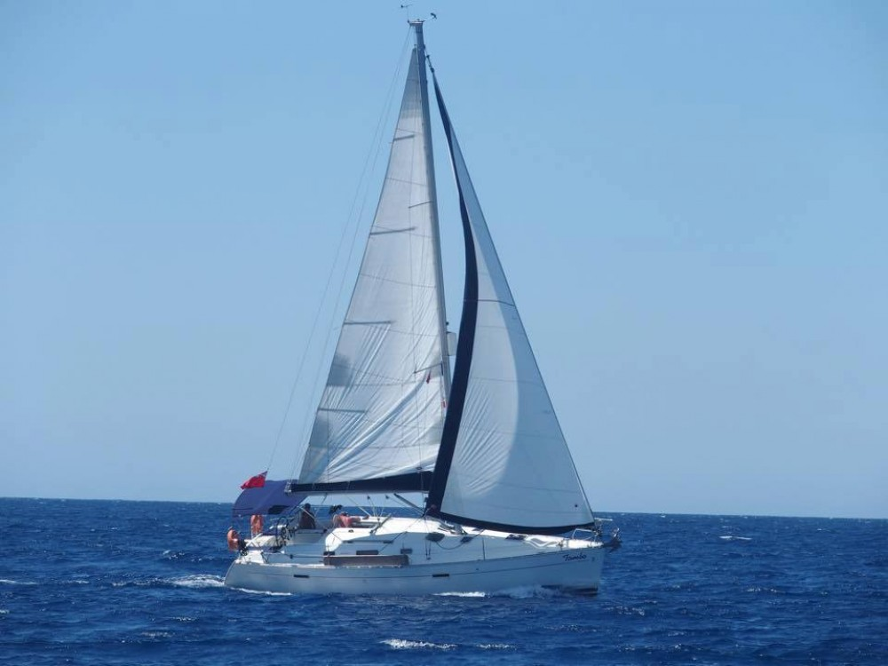 Boat rental Bénéteau Oceanis 343 in Fethiye on Samboat