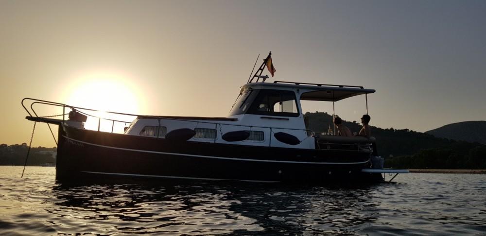 Rental Motor boat in  - Majoni 40
