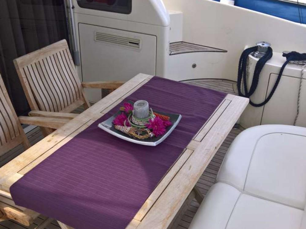 Rental Motor boat in Marina Pirovac - Azimut Azimut 46