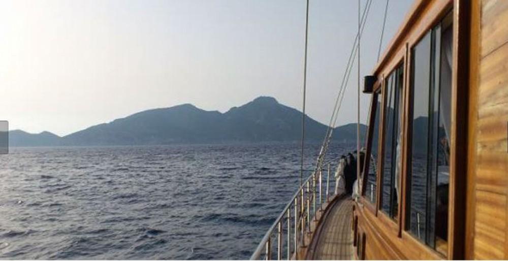 Goleta Suite del Mar between personal and professional Marbella