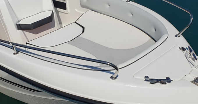 Motorboat for rent Moniga del Garda at the best price