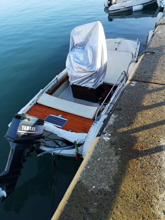 Rental yacht Chiavari - Boston Whaler Boston Whaler 13 Sport on SamBoat