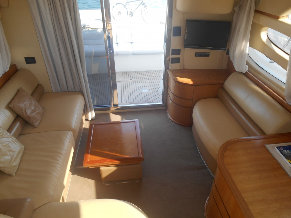 Hire Motor boat with or without skipper Azimut Marina Pirovac