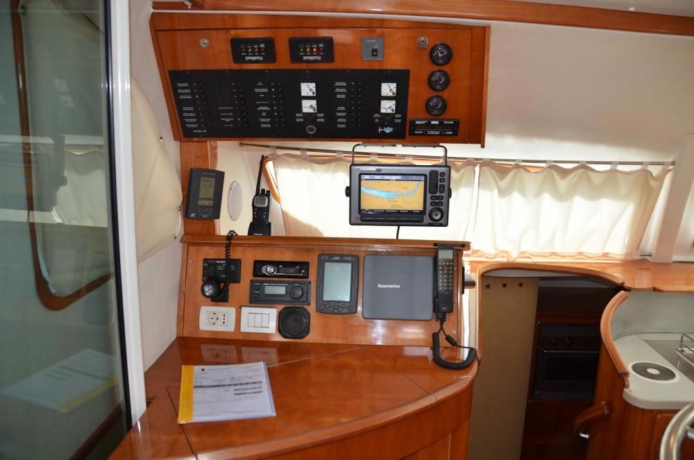 Rental yacht Marina Baotić - Alliaura Privilege 465 on SamBoat