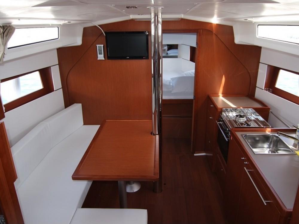 Rental yacht Pula - Bénéteau Oceanis 38.1 on SamBoat