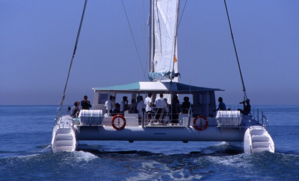 Rental Catamaran Fontaine pajot with a permit