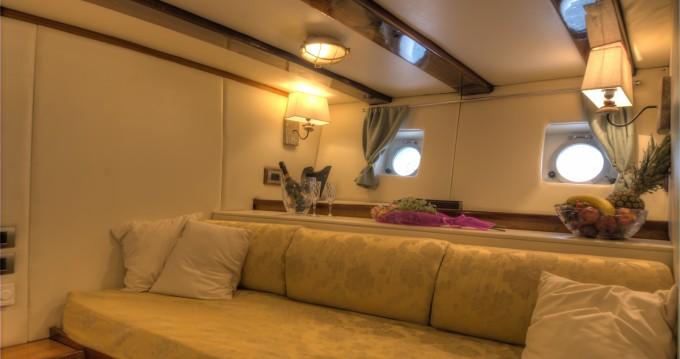 Boat rental La Spezia cheap Goletta