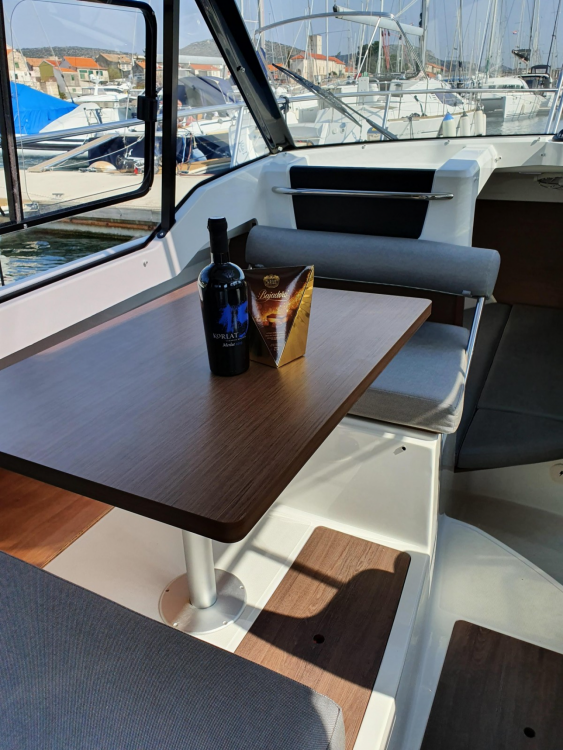 Rent a Jeanneau Merry Fisher 795 Šibenik