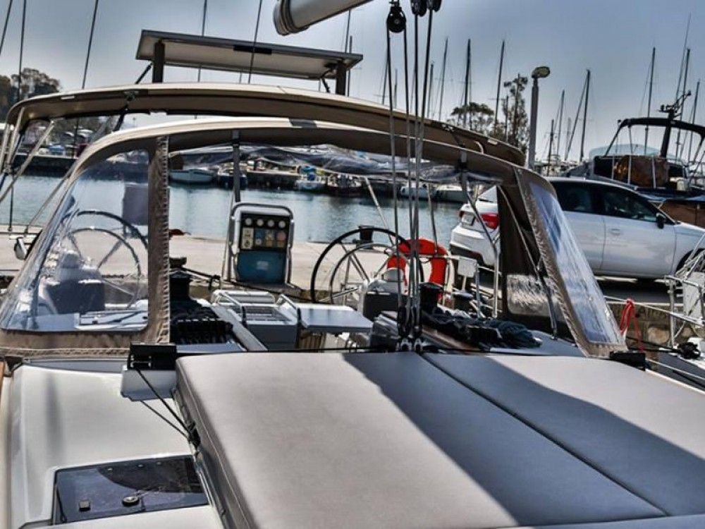 Jeanneau Sun Odyssey 509 (2015 )( FULL REFIT 2020 - A/C,GENERATOR,INVENTER ) between personal and professional Alimos Marina