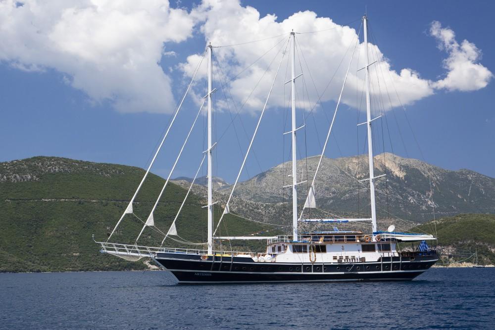 Boat rental Alimos Marina cheap Gulet Artemis