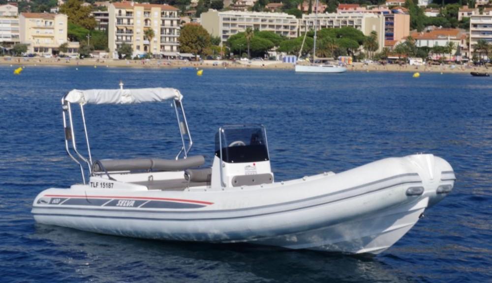 Boat rental Selva 600 DS in Le Lavandou on Samboat