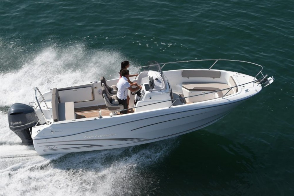 Hire Motor boat with or without skipper Jeanneau Le Lavandou