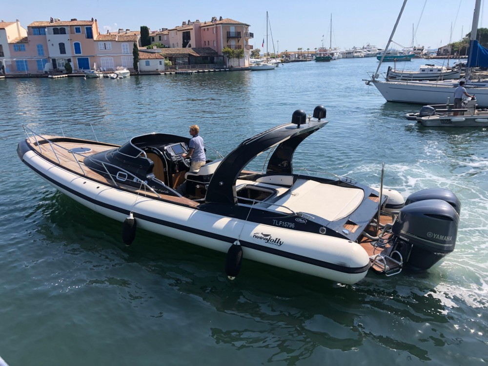 Rent a Nuova Jolly Prince 35 Sport Cabin Grimaud