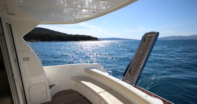 Rental Motorboat in Split - Jeanneau Prestige 36 Fly