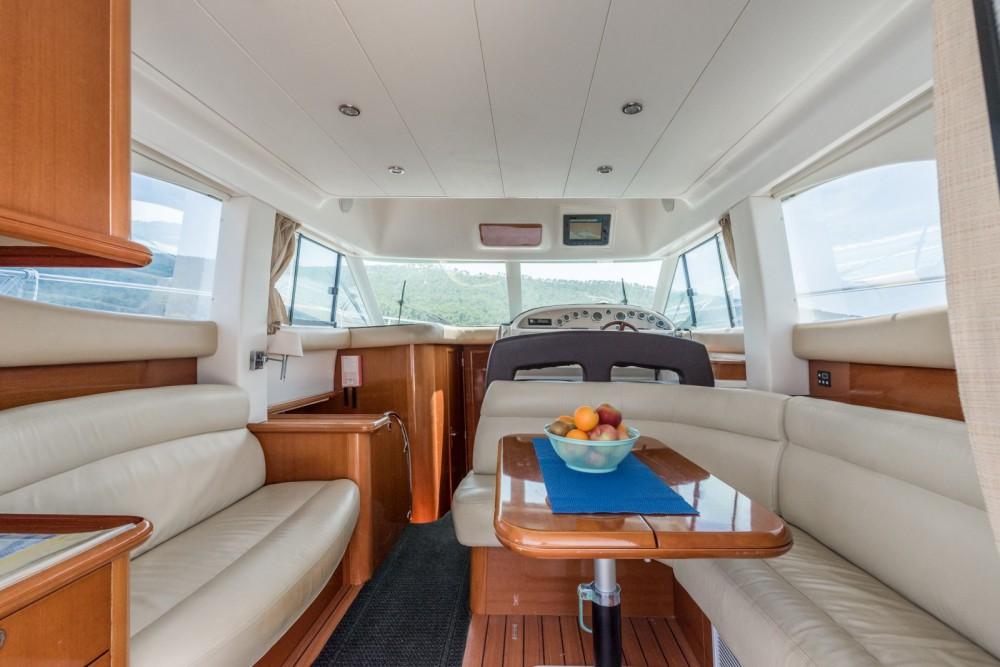 Boat rental Jeanneau Prestige 36 Fly in Split on Samboat