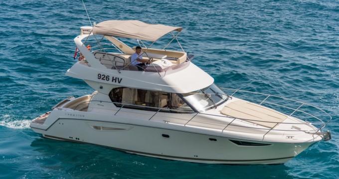 Rental Motorboat in Split - Jeanneau Prestige 400 Fly