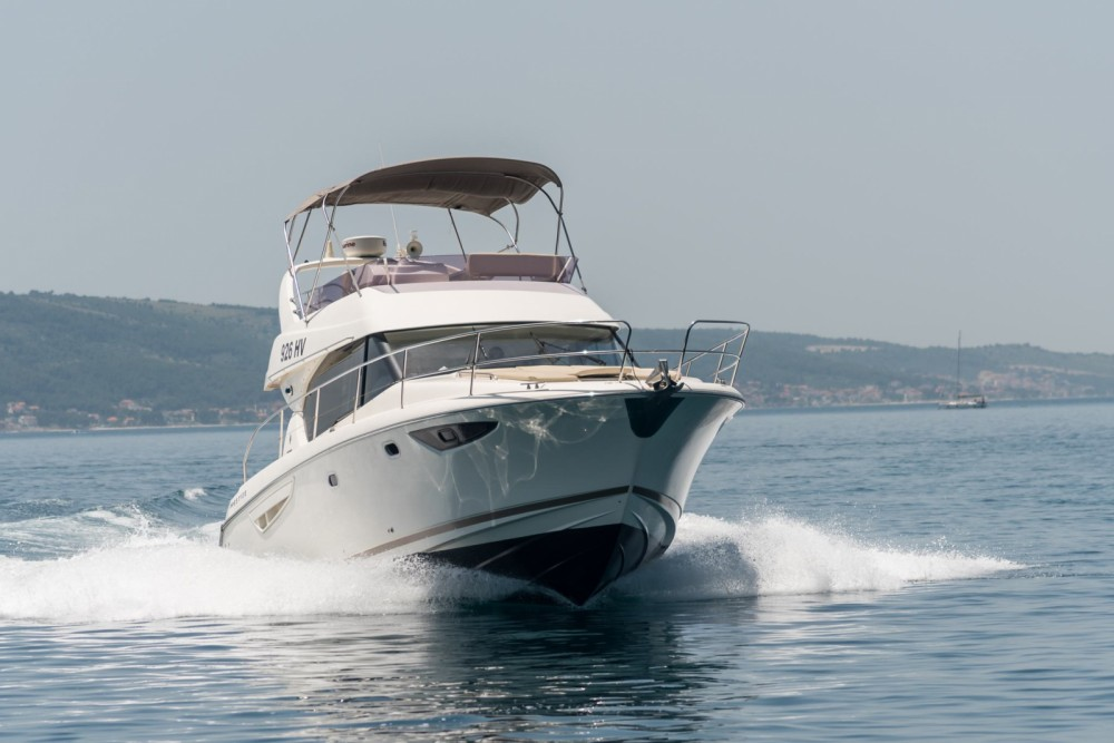 Rental yacht Split - Jeanneau Prestige 400 Fly on SamBoat