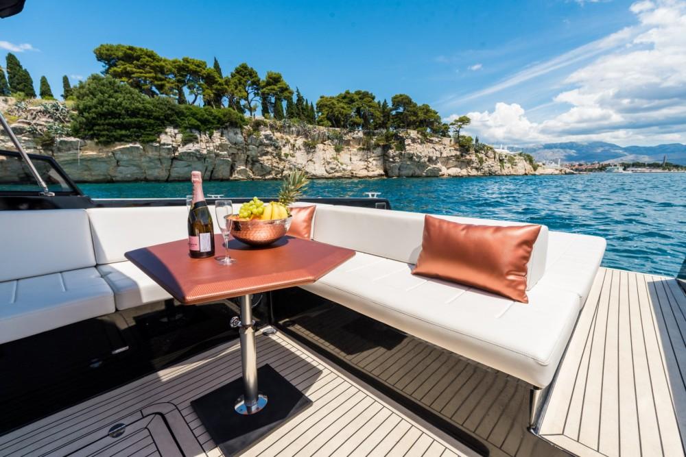 Boat rental Colnago Colnago 45 Open in Split on Samboat